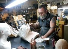 Les métiers de la télé: Bruno Gatien maquilleur prothésiste